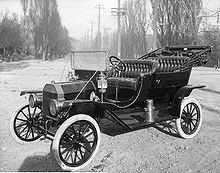 220px-1910Ford-T